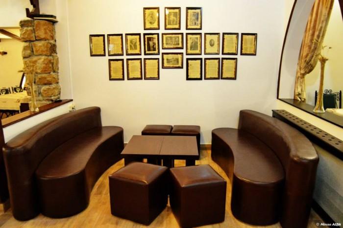 Panoplie tablouri sistoric Restaurant Cercul Gospodinelor